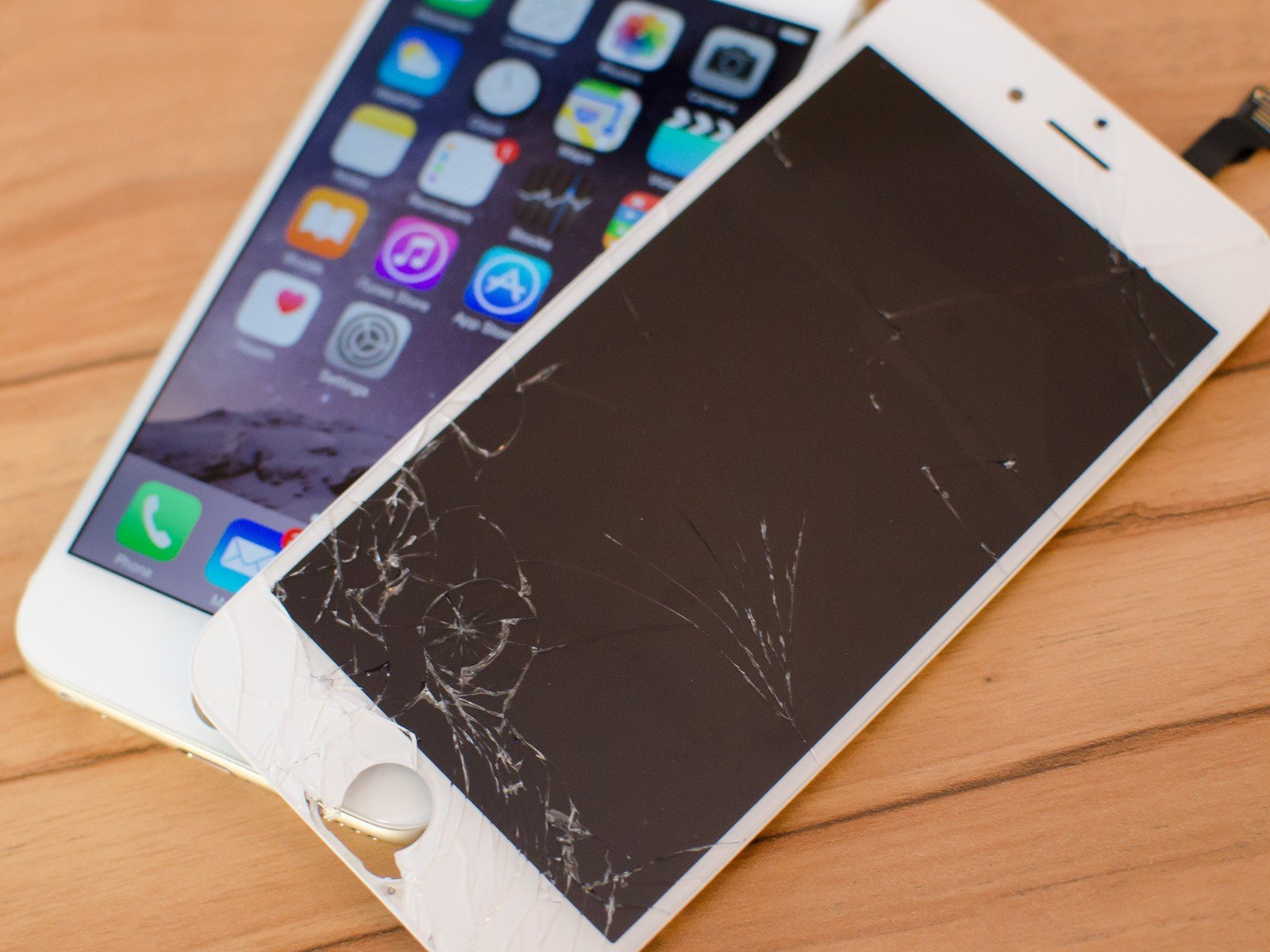 official photos cdcb1 79664 Top 5 Things to Check before you get your iPhone Screen Repaired ...