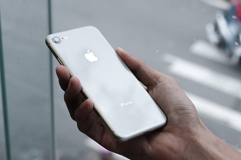 800px IPhone 8 Silver With White Rear